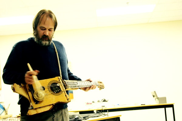 Photo: Artist Michael Waterman performing